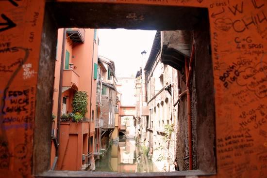 Condividi la foto finestra su canale bo dall 39 album bologna di ereshkigalll su libero community - Bologna finestra sul canale ...