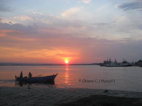 taranto alba sul mar piccolo