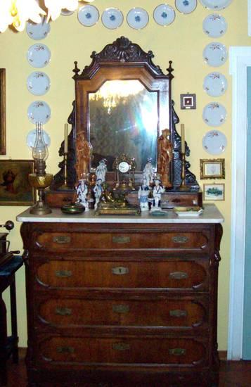 A faenza restauro di mobili antichi e decorazione di - Mobili vecchi da restaurare ...