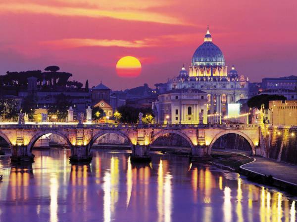 Roma tramonto sul tevere