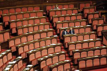 Assenteisti nel Comune di Sanremo = Scandalo Assenteisti in Parlamento e Senato = Normalità