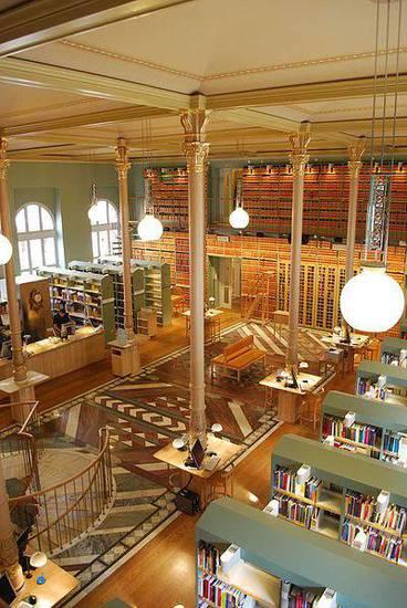 biblioteca-parlamento-svedese-