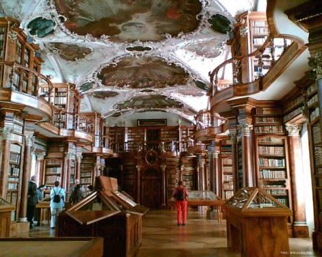 biblioteca-san-gallo-svizzera-