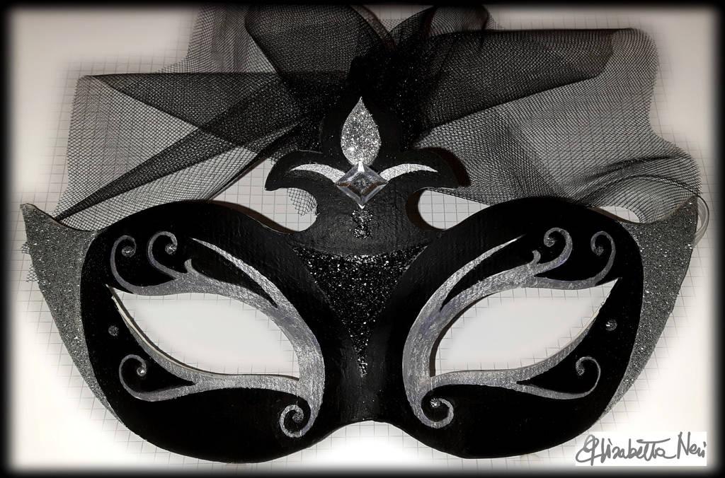maschera realizzata da Elisabetta Neri