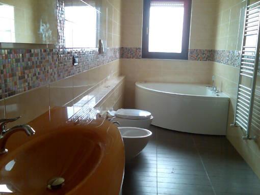 Posa piastrelle bagno rifare bagno latest rifacimento bagno con