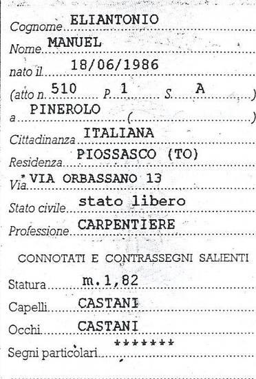 capelli castani,altezza 1,82.Manuel Eliantonio