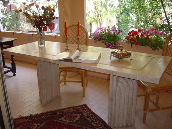 Foto tavolo per portico o veranda dall 39 album foto profilo for Tavolo per veranda