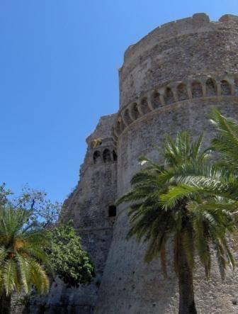 Dettaglio del Castello Aragone
