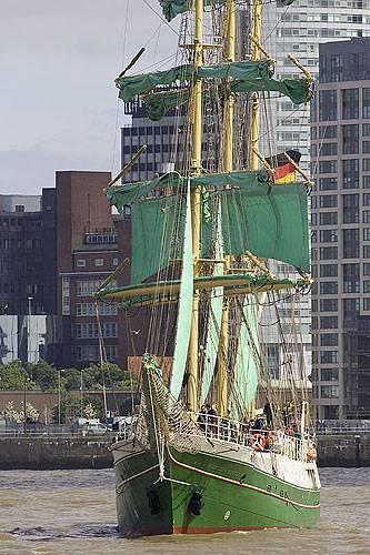 2008-07-21-JS8Q9035_Tall_Ships