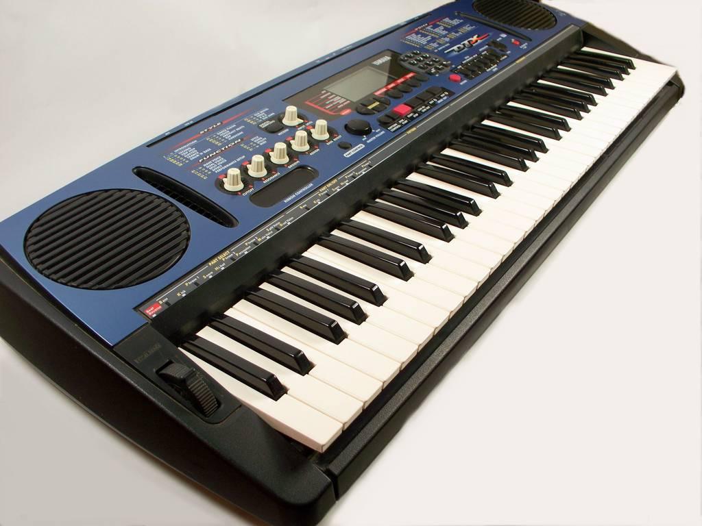 Tastiera portatile keyboards yamaha portatone psr d1 ebay for Yamaha portatone keyboard