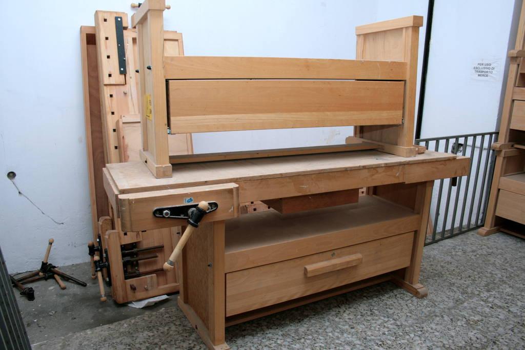 Banco da lavoro professionale per falegname in legno di - Banco da lavoro cucina legno ...