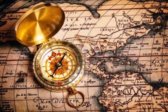 Una bussola ed una mappa, le migliori guide, come le guide uso prodotti Mondodecal!