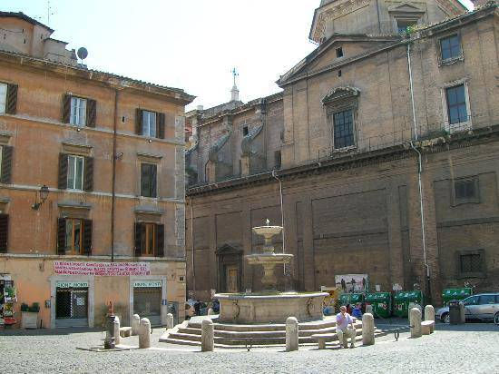 piazza-madonna-dei-monti